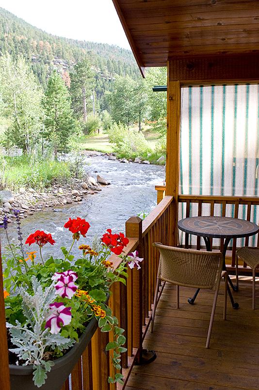Pine Creek outside